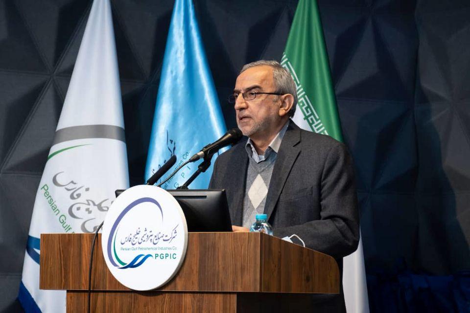 بیشترین صادرات فرآوردههای نفتی ایران در طول تاریخ، در زمان تحریم محقق شد