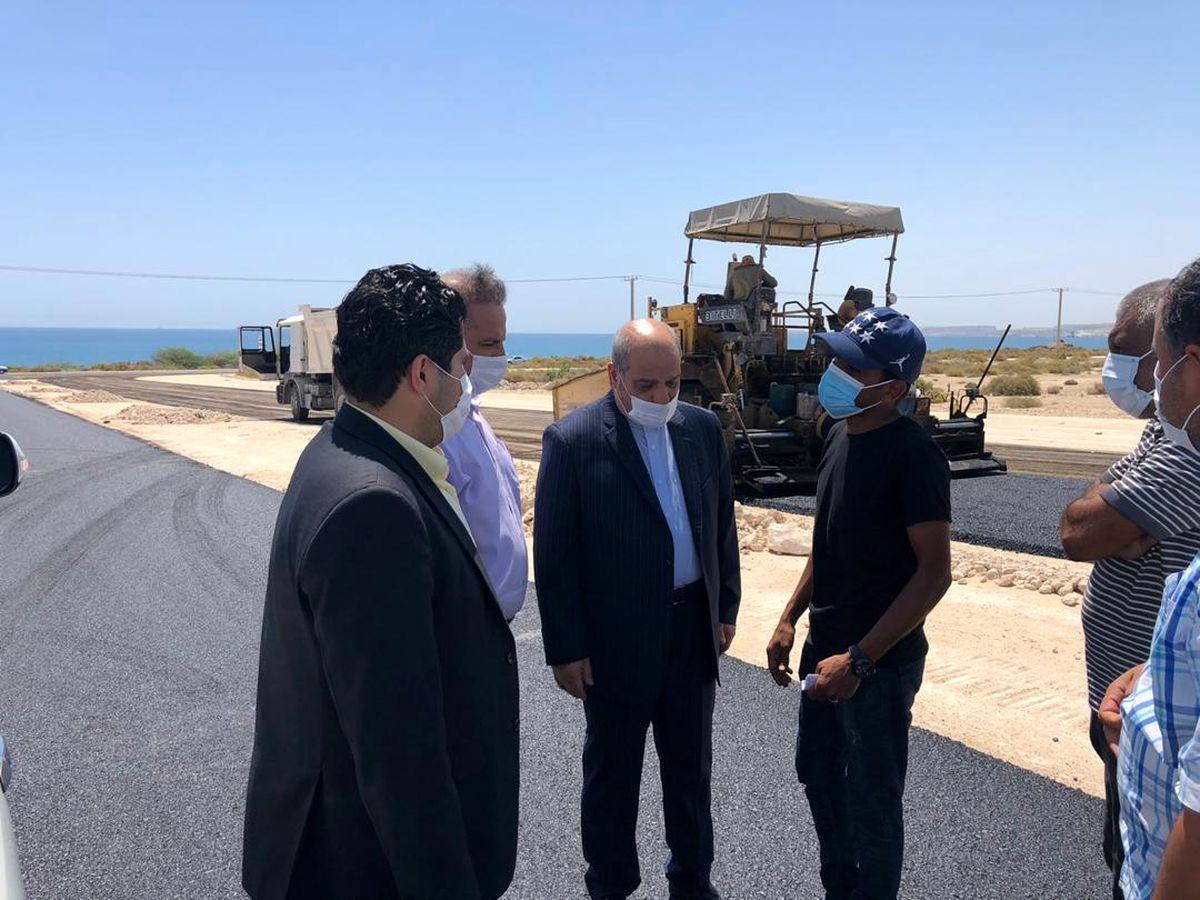 احداث فاز اول بلوار دسترسی ساحل جنوبی به روستای دفاری با اعتبار 80 میلیارد ریال