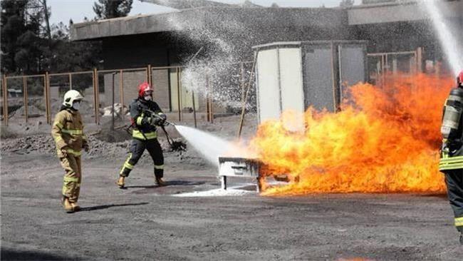 مانور آتشنشانی و امداد در گلگهر برگزار شد