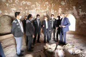 بازدید مسئولین شهرستان سیرجان از عمارت تاریخی صدرزاده